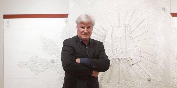 Loren Palltier, el autor del cartel de la feria del Toro en una imagen de estudio.
